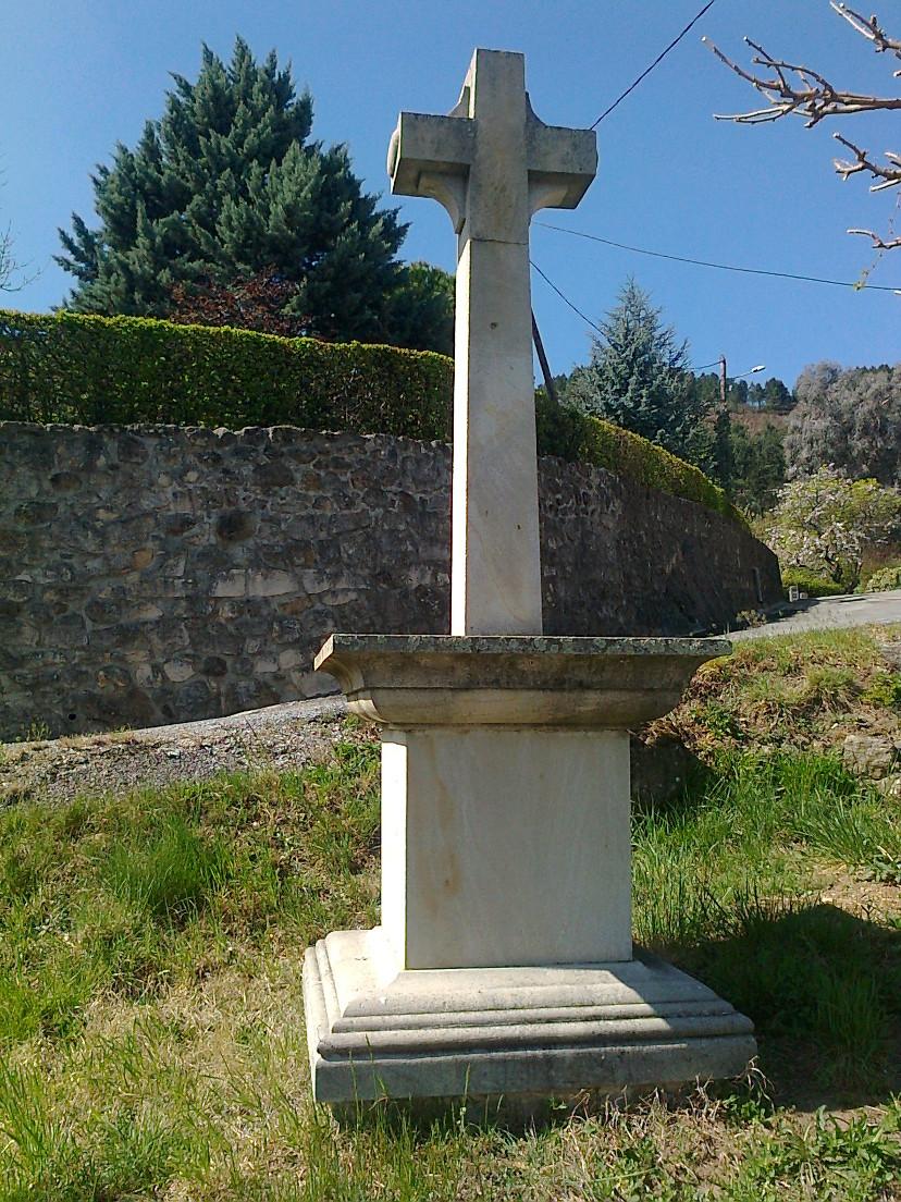 croix-du-village